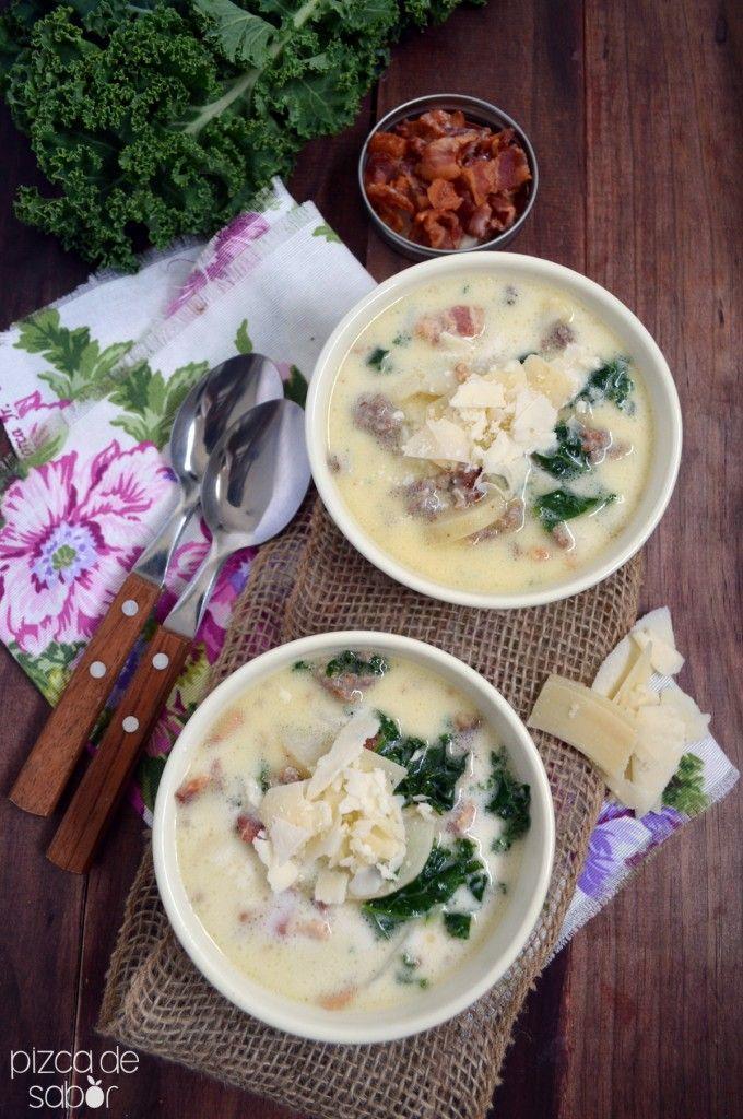 Zuppa toscana o sopa Toscana (papa, tocino, kale-berza y salchicha) | http://www.pizcadesabor.com/2014/03/21/zuppa-toscana-o-sopa-toscana-papa-tocino-kale-berza-y-salchicha/