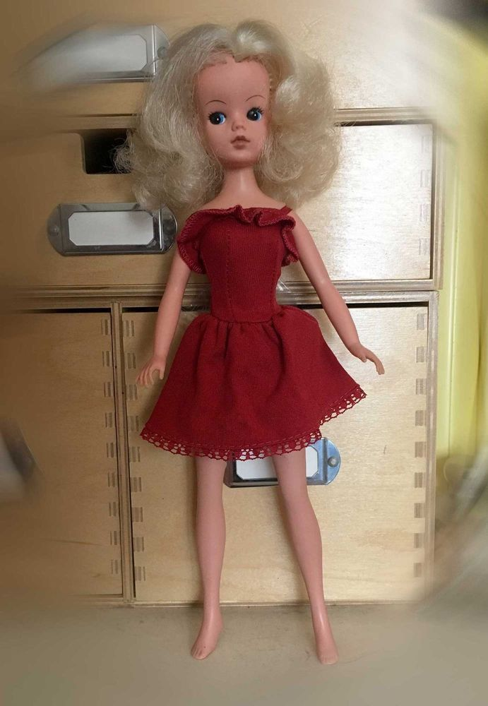 Sindy Doll – long Blonde Hair - 033055X/033126X - 1970's
