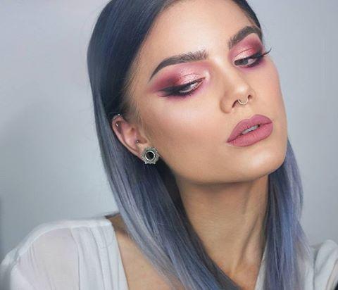 Who loves this Smokey Silver? Blue Horizon, Purple Rain, Pink Diamond Mint Cream and Silver Fox can recreate this gorgeous colour. #lusthairnz #phbnz #silverhair