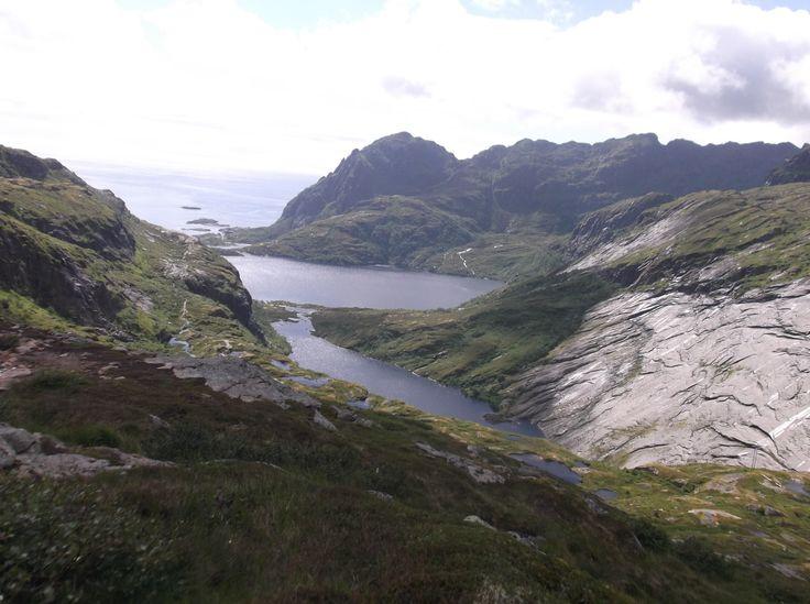 1- SUND ( les îles Lofoten) Localisation géographique:port de pêche au sud des îles Lofotenau large de Bodø, au nord du cercle polaire. Les îles se situent entre le Vestfjord, bras de mer poisson…