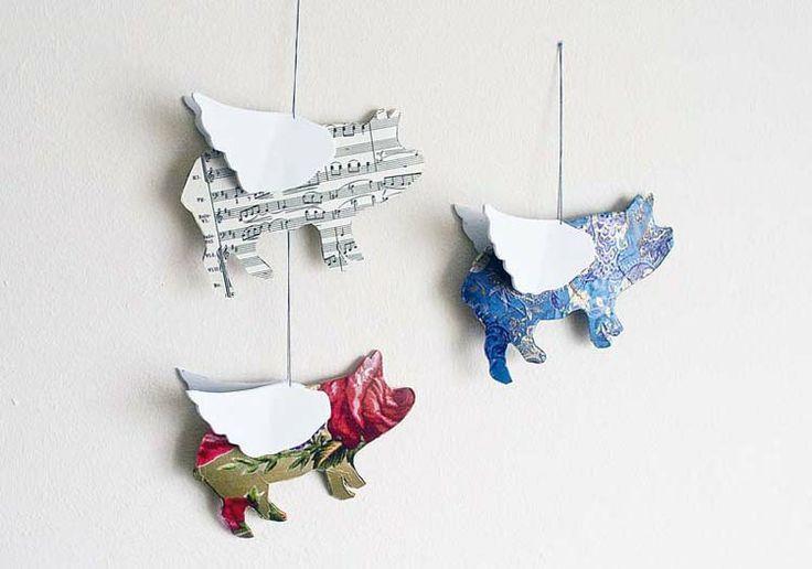Pointless Pretty Things: DIY Flying Pig Mobile