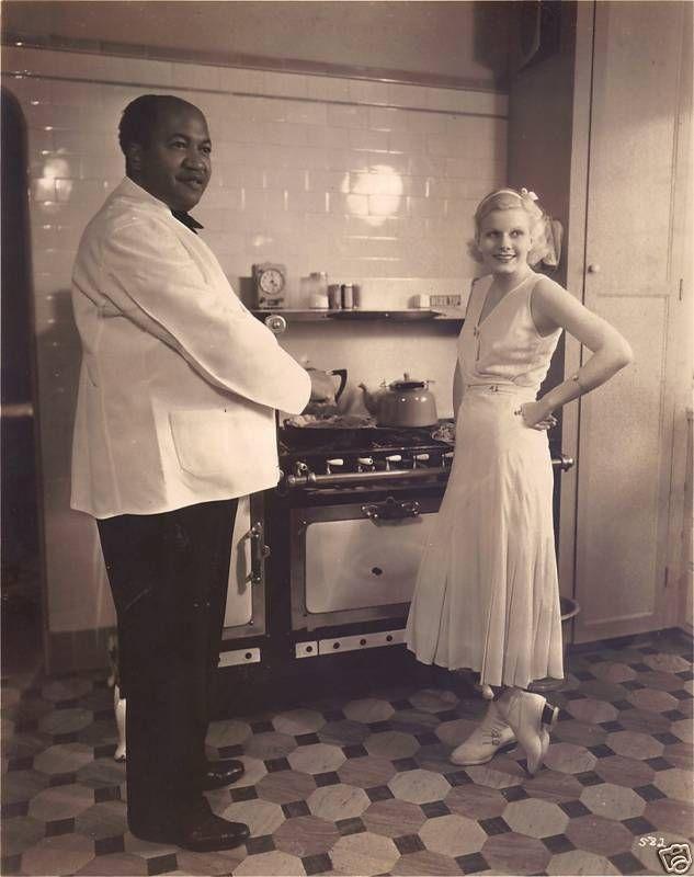 Jean Harlow-1930s-portrait-cooking