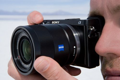 Sony NEX-7 with Zeiss lens //