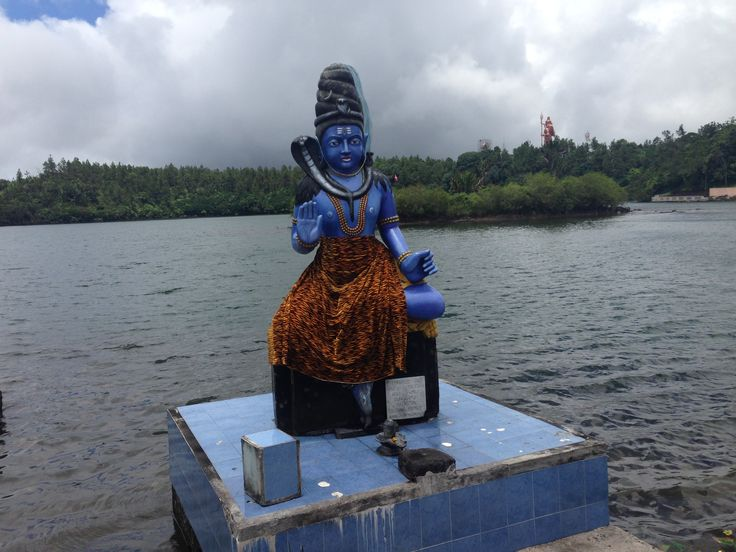 Hindu statue at the temple - Grand Bassin #Mauritius