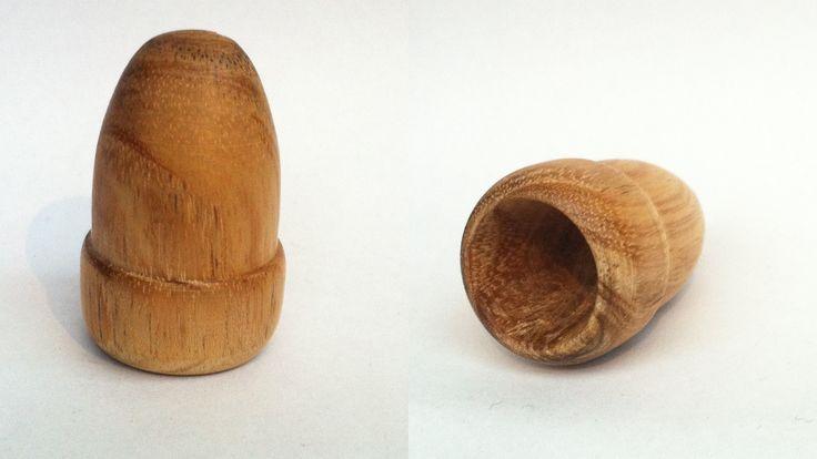 Madera de Acacia. Artesanal con forma de bellota.
