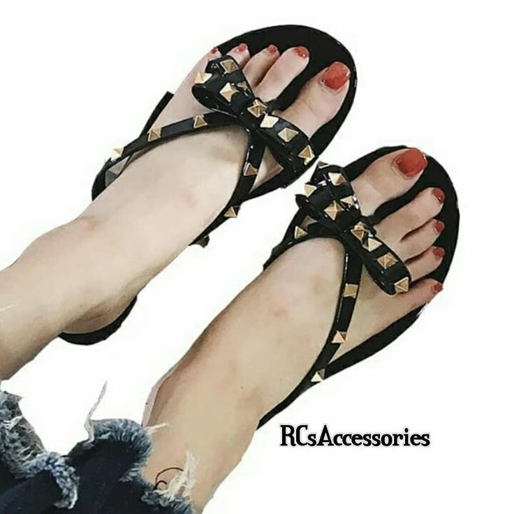 Price:2300 Size:3540 Swapeto see colors  DM for details and orders  Advance payment is compulsory for all items . . . . . . #European #Summer #rivetbowflat #flipflops #slippers #jellyshoes