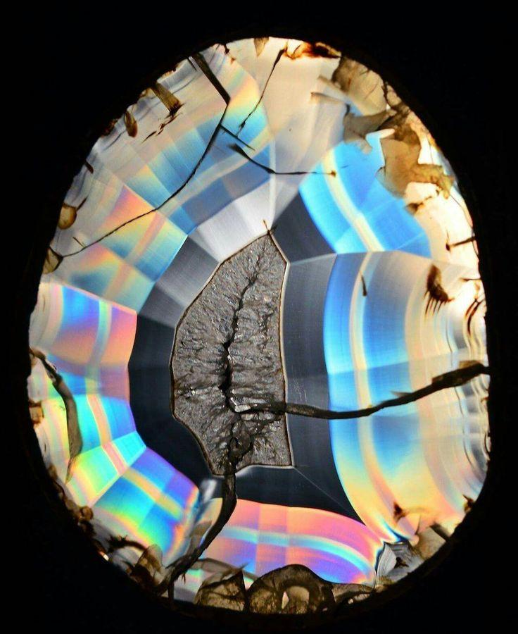 Montana Rainbow Iris Agate | #Geology #GeologyPage #Agate #Mineral Geology Page www.geologypage.comMontana Rainbow Iris Agate | #Geology #GeologyPage #Agate #Mineral Geology Page www.geologypage.com
