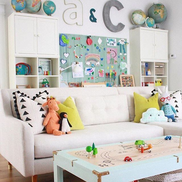 Bright and colorful playroom with lots of fun touches  Playroom by @farmhouseforfour