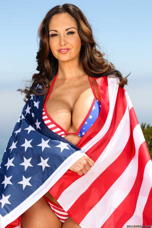 Free Big Tits Hot Porn Pics