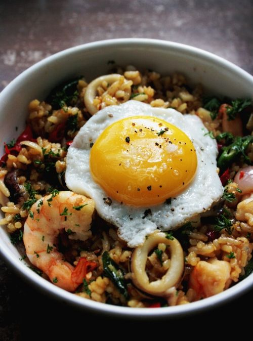 Notions & Notations of a Novice Cook | Nasi Goreng/Indonesian Fried Rice | this medical student's blog is amazing - many more recipes and gorgeous photos