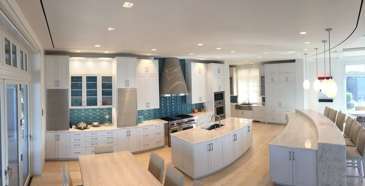 Most #kitchens do not have curves except for this one built by Craft-Maid.com #contemporary #custom #cabinets #radius #exceptional