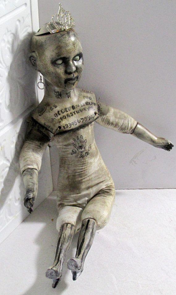 Vintage veranderd kunst Ouijia Bisque Doll nieuwsgierigheid