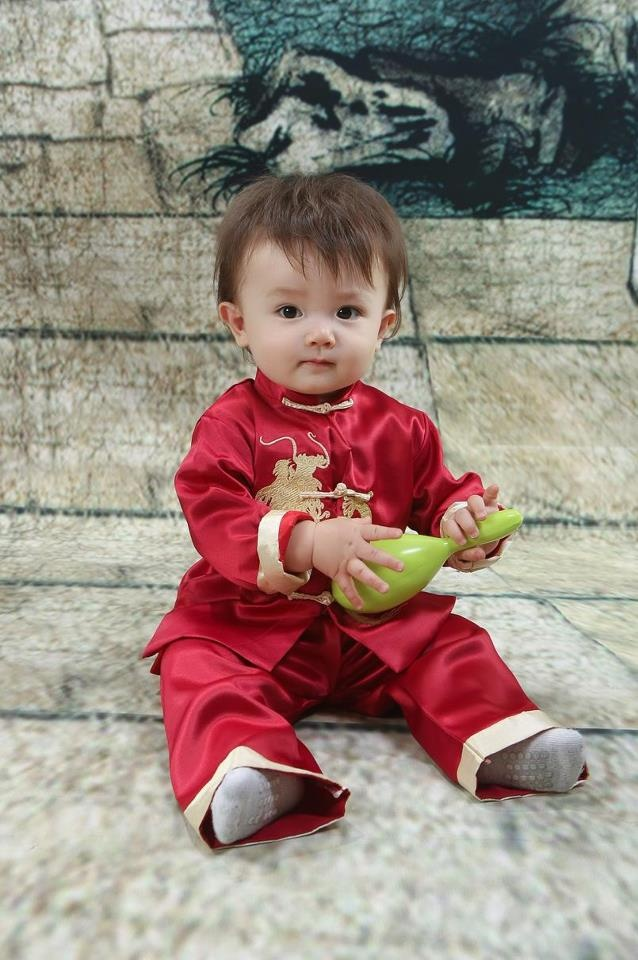 Moms Ethnicity: Italian Dads Ethnicity: Chinese. Cute mixed Asian baby!