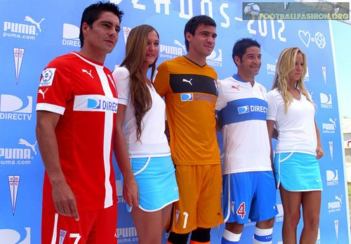 CD Universidad Católica PUMA 2012 Home and Away Soccer Jerseys / Camisetas / Football Kits