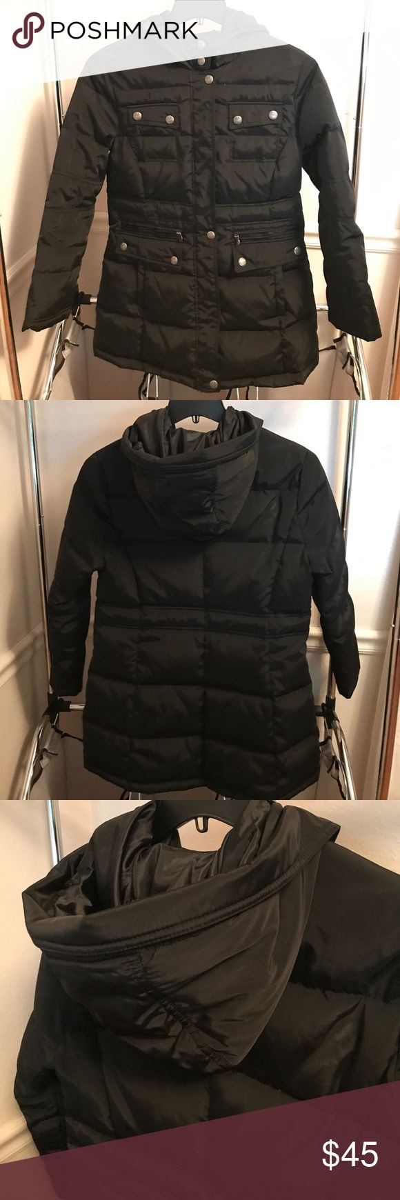 """Laundry by Shelli Segal Puffy Coat Petite sizes black puffy winter coat! I typically don't buy petite sizes and am 5'4"""", but this fit me perfectly. Waist: 40"""", Length: 31"""", Sleeve: 23"""" Laundry By Shelli Segal Jackets & Coats Puffers"""