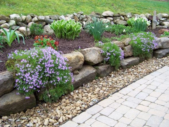 138 best outdoor stone landscaping ideas images on pinterest for Landscaping a hill with rocks