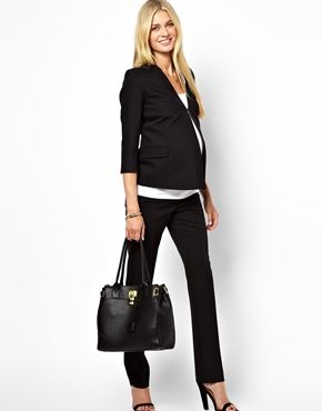 maternity working outfit with pants and blazer