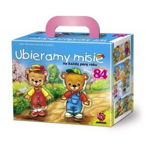 Ubierz misie na każdą porę roku.Gra rozwija wyobraźnię i uczy dziecko jaki strój pasuje na daną porę roku.WIEK: 3-6 lat