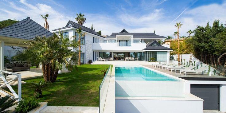 Superbe villa contemporaine louer marbesa doit son for Jardin villa contemporaine