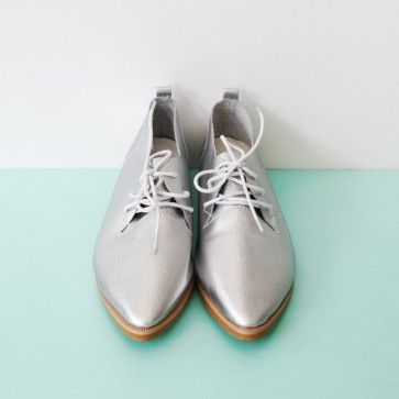[Edge Silver Oxfords: Silver] Faux leather #oxfords featuring a slim pointed toe. Lace-up top. #leathershoes #oxfordshoes #silvershoes #whiteshoes #whiteoxfords #koreanshoes #shoes #koreanshoes #classic #trendy #fashiontoany