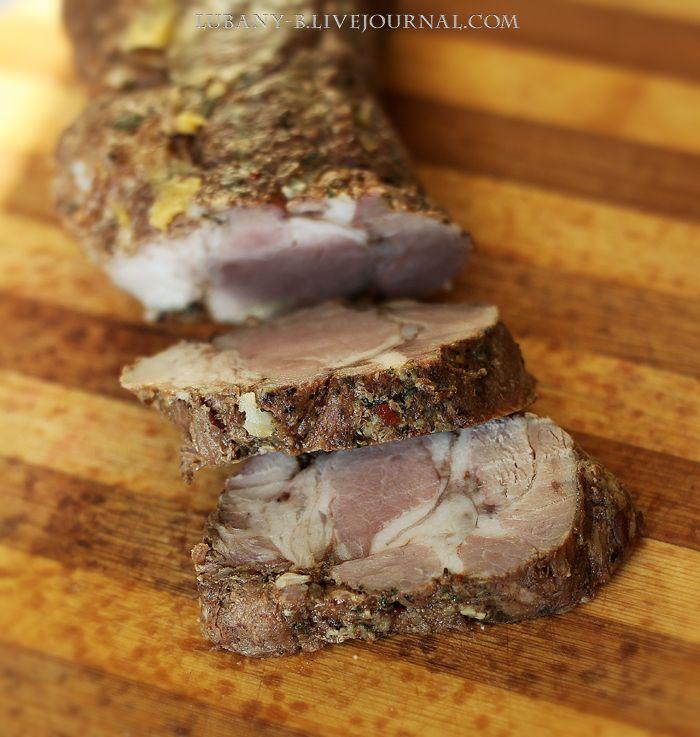 Для 43-го раунда gotovim_vmeste2 На новогодний стол запекала небольшой кусок свиной шеи. Рецепт нашла на Кукинге, Света-Муравейка выложила прекрасную закусочную грудинку, оказалось, что и более постное мясо получается по этому рецепту очень неплохо. А еще готовила свеклу с хреном (бурачки, с…