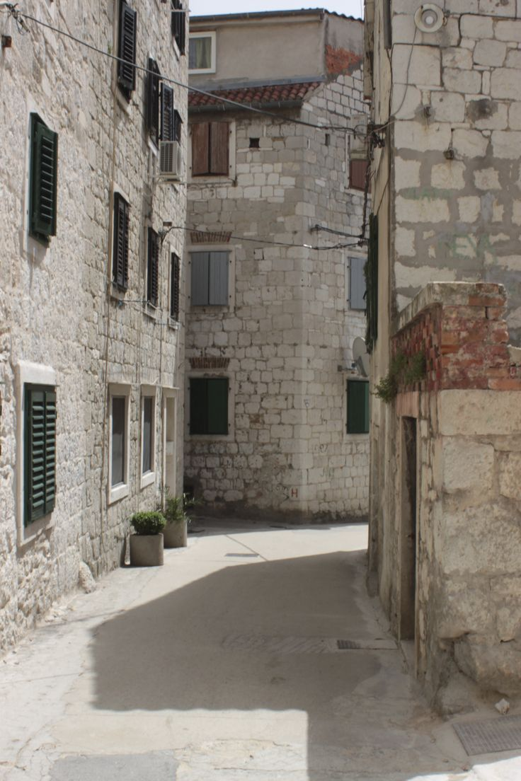 Beautiful alley in Split. Photo: Ida-Liina Huurtela