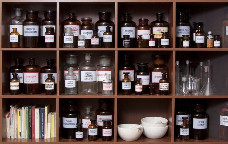 What you should have in a natural medicine cabinet.