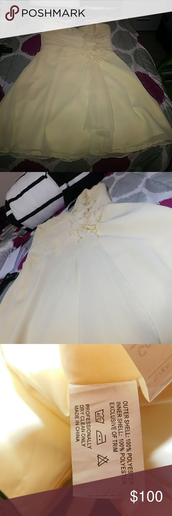 Pale yellow dress True to size The reason it is $100 is because it's from a boutique  No rips, or tears All offers are most likely going to be accepted No trade, sorry❌ Make a reasonable offer Dresses Strapless