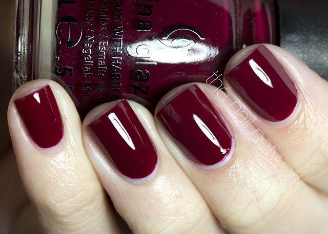 China Glaze - Merry Berry