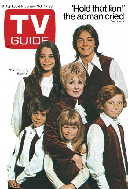 TV Guide October 17, 1970 - Susan Dey, David Cassidy, Shirley Jones, Jeremy Gelbevaka, Suzanne Crough and Danny Bonaduce of The Partridge Family
