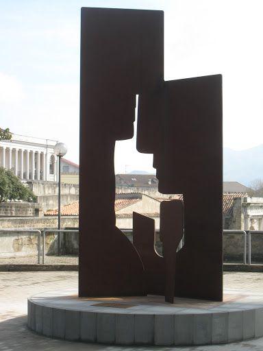 Mafonso_Dimore di tutto ciò che è divinissimo e santissimo anno 2010 la scultura per il comune di Capua nella villa comunale Baden.
