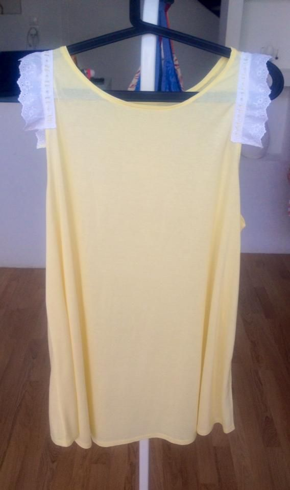 "Cute ""butterfly effect"" loose t-shirt - yellow with white lace detailing"