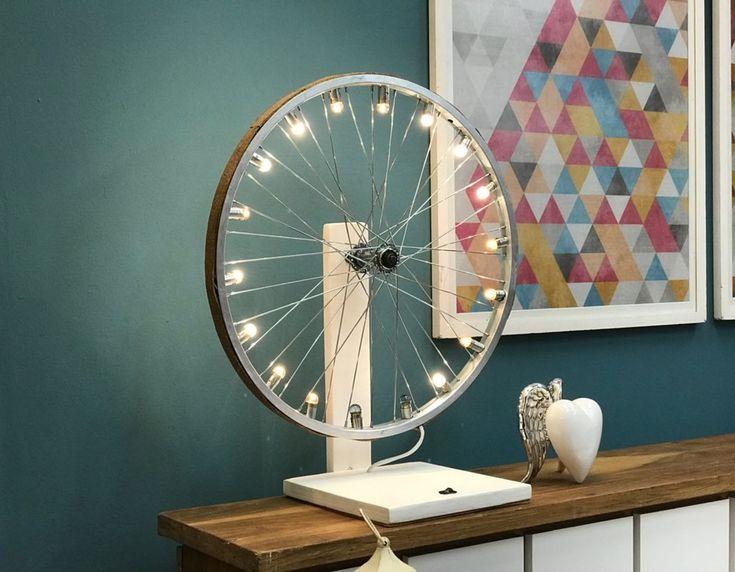 Aprenda a fazer luminária de aro de roda de bicicleta (Foto: Sonia Schneiders/Gshow)