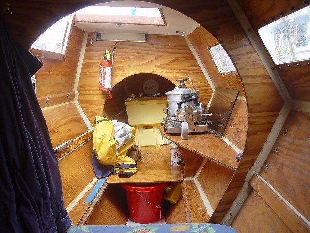 Tiki 28 No. 1 (15 years old) interior