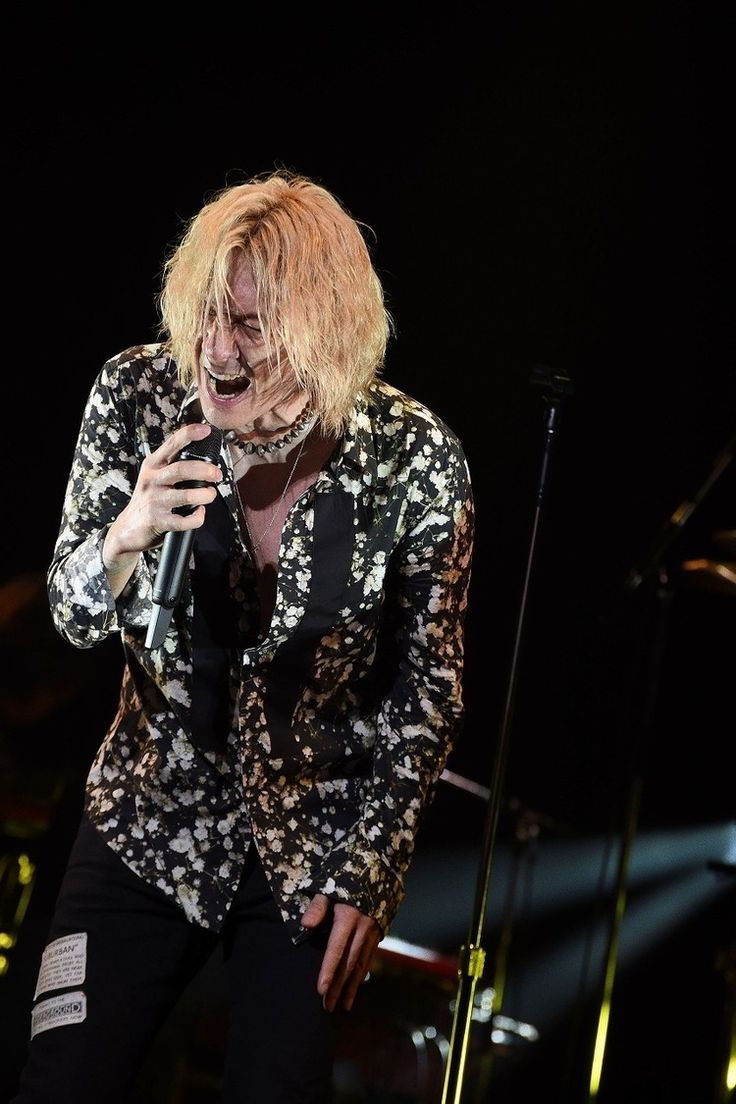 吉井和哉はやはり最高の「ロックスター」なのだ―― ツアーファイナル公演・初日レポ-rockinon.com|https://rockinon.com/news/detail/127632