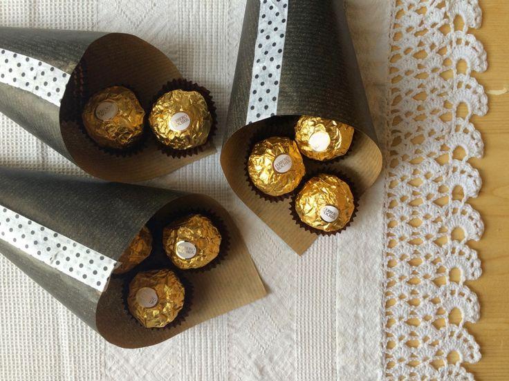 Coni segnaposto ripieni di dolcezza per la tavola di Primavera & Pasqua - #ospitareinbellezza con Ferrero Rocher - #Creativity #Diy #Easter #Pasqua #Spadelliamo #FerreroRocher #OspitareinBellezza
