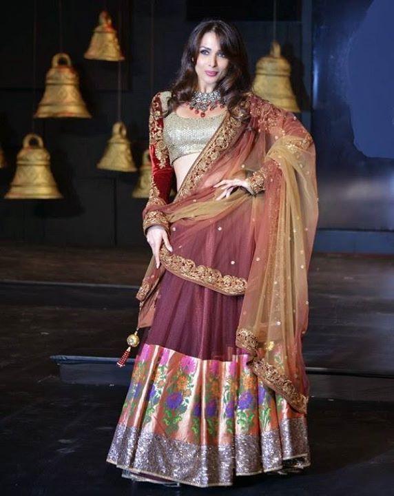 #MalaikaAroraKhan shows us how to carry this gorgeous lehanga with so much grace and style! Buy Lehenga Online - http://www.aishwaryadesignstudio.com/lehenga-choli