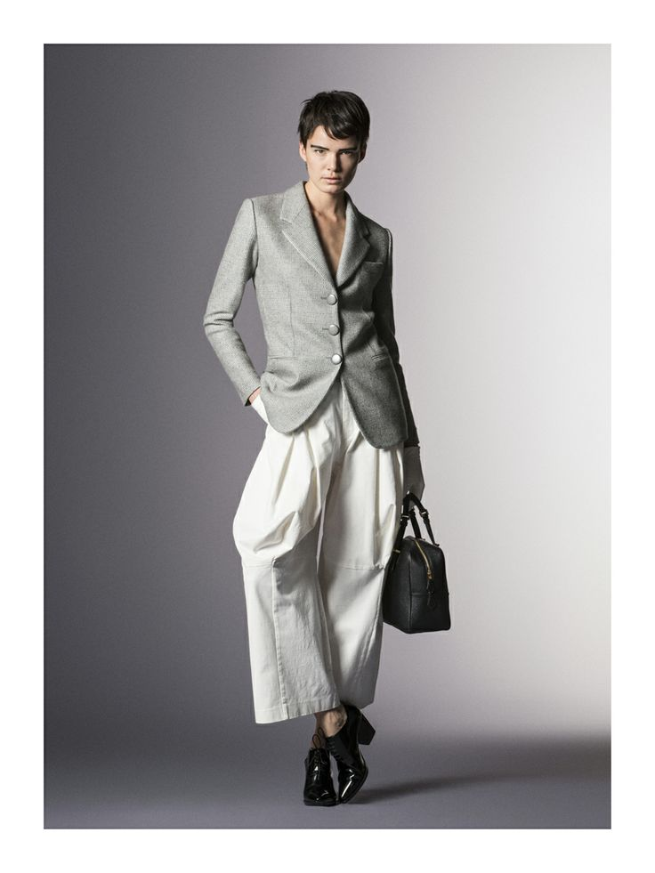 Giorgio Armani Pre-Fall 2014 - Review - Fashion Week - Runway, Fashion Shows and Collections - Vogue