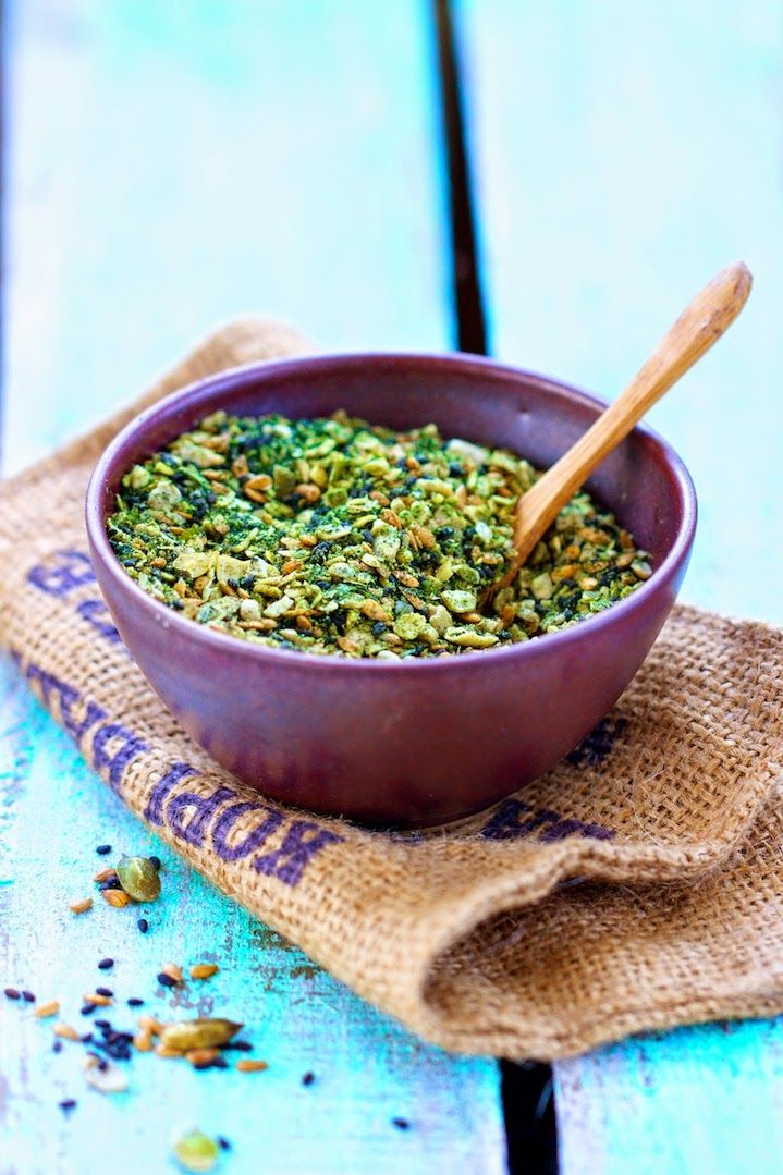 Gomasio multi-graines à la spiruline Super aliments Santé d'Ellen Frémont Editions Larousse Cuisine