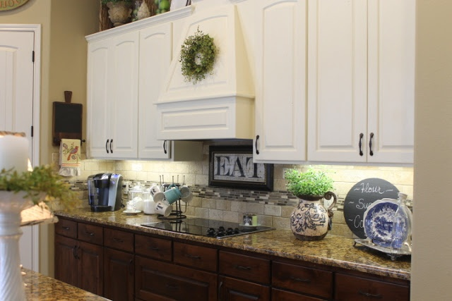 wooden kitchen cabinets 258 best images about updating cabinets color and soffit 29466
