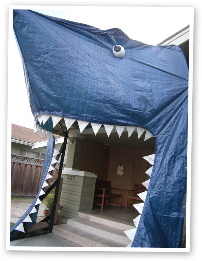 You have to scroll to the bottom of this blog post to see a time lapse video of the person making this shark entrance. Could be fun for a pirate party. This was for a shark themed event. Project: Mommie