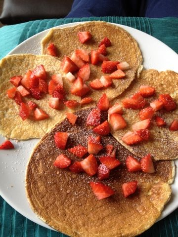 Makes 4 small pancakes   3 eggs  4 tbsp sweetener  Fry light  Any toppings you like   1. separate 3 eggs  2. whisk the egg whites with 2 tbs...