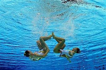 Getty Images - syncronized swimming duets - Mary Killman & Marya Koroleva of USA - London Olympics 2012