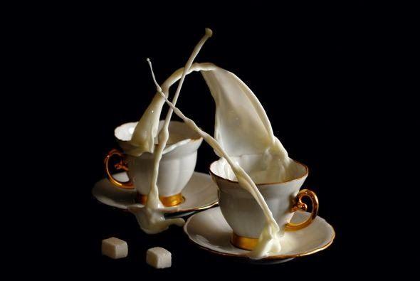 As incríveis fotografias em alta velocidade de cafés desafiando a gravidade de Egor N.