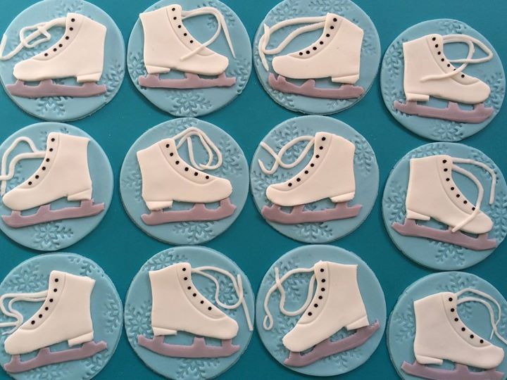 Ice Hockey Cake Decorations Uk : The 25+ best ideas about Ice Skating Cake on Pinterest ...