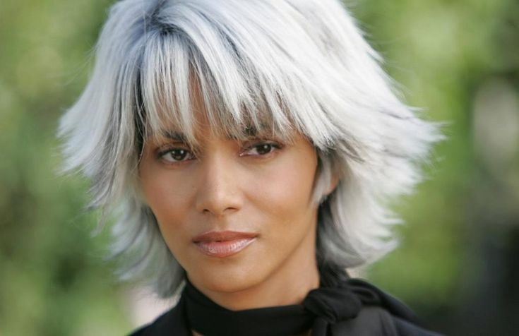 """halle berry as storm hair styles 