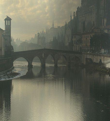 Verona, Italy by Ian Webb, rastaschas