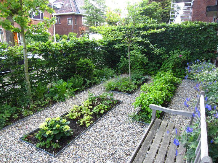 Voortuinen zijn er in verschillen stijlen. Wat is jouw favoriet voortuin? Doe tuininspiratie op aan de hand van duizenden foto's en honderden blogs