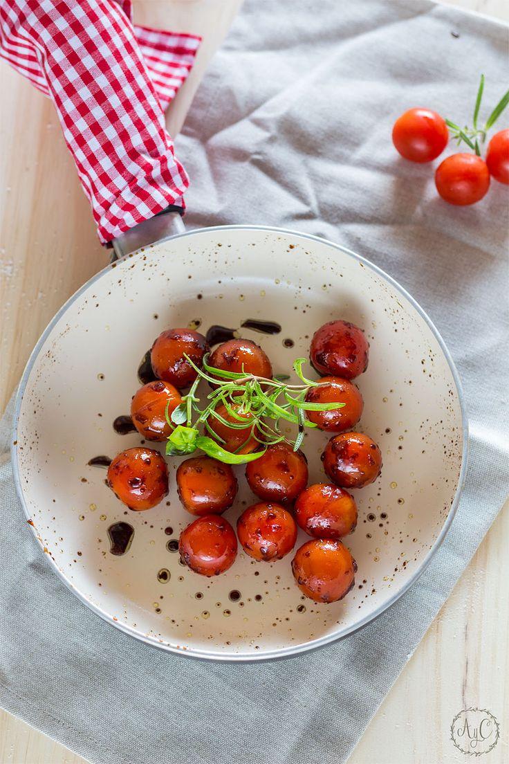 Sueños de amor y canela: Tarta tatín de tomate cherrys al romero y albahaca
