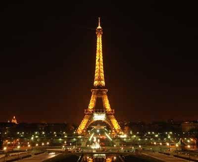 Je m'appelle Tyler et je suis Américain mais je serais ravi de visiter Paris France